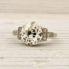Jewelry Diamond : Image Description Antique engagement ring from 1925 ~ Love ♥ Antique Engagement Rings, Diamond Engagement Rings, Diamond Rings, Antique Jewelry, Vintage Jewelry, Antique Rings, The Bling Ring, European Cut Diamonds, Looks Vintage
