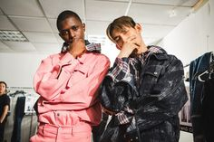 Take a look at Feng Chen Wang SS18 backstage captured by the lens of Phoebe Cheong during New York Fashion Week, in exclusive for Fucking Young!