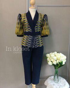Traditional Dresses Designs, Traditional Fashion, Traditional Outfits, Batik Fashion, Suit Fashion, Fashion Dresses, Blouse Batik, Batik Dress, Myanmar Dress Design