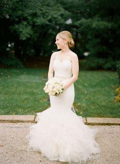 Pretty dress: http://www.stylemepretty.com/2015/04/24/organic-elegant-inn-walden-wedding/ | Photography: Arielle Doneson - http://www.ariellephoto.com/