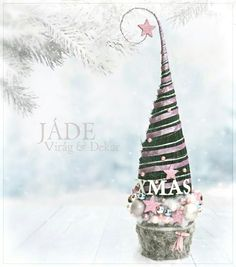 csajos grincsfa #grincsfa #grincs #grinch #grinchtree #pink Grinch Trees, Grinch Christmas Tree, Christmas Time, Christmas Bulbs, Christmas Decorations, Xmas, Holiday Decor, Advent, Diy And Crafts