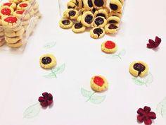 Cheesy Berry Cookies