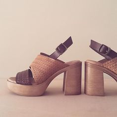 Sandalia trenzada de piel natural.  #liberitae #leathershoes #zapatos #shoes #leather #madeinspain #hechoenespaña #fashion #shoes #design #diseño #piel #calzado