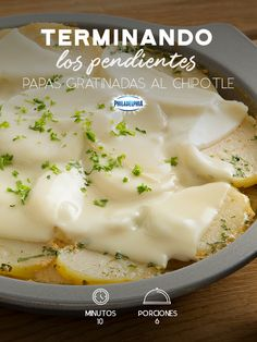 Papas Gratinadas al chipotle Finish all the office earrings early just to savor these chipotle grati Easy Healthy Recipes, Veggie Recipes, Mexican Food Recipes, Tasty, Yummy Food, Some Recipe, Food Humor, Kitchen Recipes, Chipotle