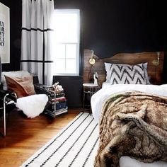 Cozy up. {the beautiful home of Kristin Jackson, aka, @hunted_interior} #bedroom