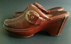 Ariat Leather Western Horseshoe Buckle Strap Clogs Style 22231 Mules Size 7B #Ariat #Mules #Casual