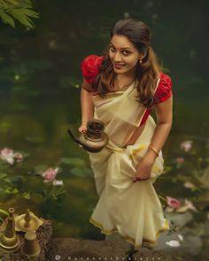 Transform Your Looks With This Advice Beautiful Girl Indian, Beautiful Girl Image, Beautiful Saree, Beautiful Indian Actress, Kerala Wedding Photography, Wedding Couple Poses Photography, Girl Photography Poses, Beach Photography, Indian Photoshoot