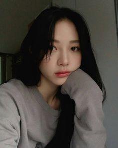 Makeup asian grunge New Ideas Korean Beauty Girls, Pretty Korean Girls, Cute Korean Girl, Asian Girl, Asian Beauty, Ulzzang Girl Selca, Ulzzang Korean Girl, Korean Girl Photo, Girl Korea