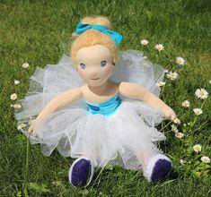 baletka, ručně šitá panenka z přírodních materiálů, ekopanenky, panenky s duší Girls Dresses, Flower Girl Dresses, Dolls, Wedding Dresses, Flowers, Fashion, Dresses Of Girls, Baby Dolls, Bride Dresses