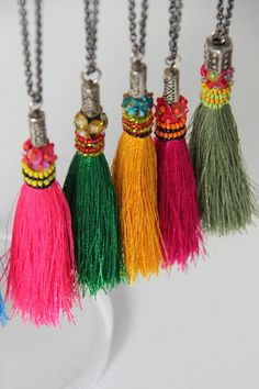 Tassels are Awesome! 20 Jewelry Designs and Tutorials to Inspire! - Nunn Design - Michelle at Crayon Chick is doing some super great tassels on her Etsy Site! Diy Tassel, Tassel Jewelry, Fabric Jewelry, Tassel Necklace, Diy Jewelry, Beaded Jewelry, Tassels, Jewelery, Handmade Jewelry