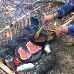 bushcraft gear, top bushcrafter ideas and survival skills Survival Fishing, Survival Food, Camping Survival, Outdoor Survival, Camping Meals, Survival Skills, Urban Survival, Survival Hacks, Camping Jokes