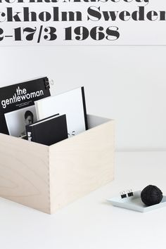 Via MyDubio |  DIY Minimal Magazine Holder