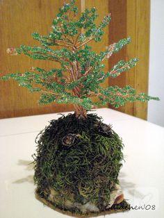 boncuk örme dekoratif ağaç, şıkır şıkır süslerden hoşlananlara göre bir çalışma. boncuk işleme, dantelli süslemeler, nakış teknikleri, iğne oyası örnekleri gibi pek çok işleme....