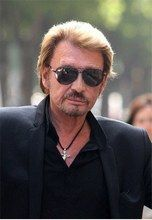 Buy high quality products for all family online Cool Sunglasses, Mirrored Sunglasses, Johnny Halliday, Photo Star, Laetitia, Christian Audigier, Idole, Portrait, Celebrities