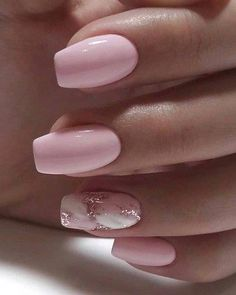 On average, the finger nails grow from 3 to millimeters per month. If it is difficult to change their growth rate, however, it is possible to cheat on their appearance and length through false nails. Simple Acrylic Nails, Square Acrylic Nails, Pink Acrylic Nails, Short Nails Acrylic, Short Acrylics, Shellac Nails, Gel Manicure, Work Nails, Holiday Nails