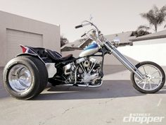 Cool Chopper Trike ! But I'm not sure the front end compliments the rear.