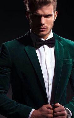 Green for the groom for a Christmas Wedding