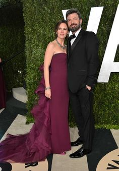 Jennifer Garner: Jennifer Garner, posing with husband Ben Affleck, stayed in her ruffly violet custom Gucci Première gown at the Vanity Fair festivities.