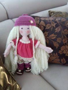 Muñeca hecha totalmente a mano 40 euros