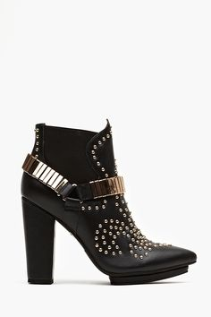 Volpe Studded Boot - pinterest.com/allerius - Women's Fashion