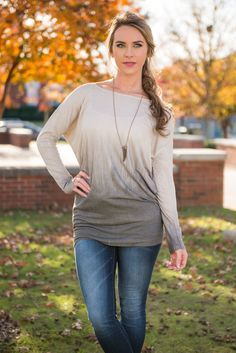 We are all about this faded top! The colors, the fit, everything!!  Material has a generous amount of stretch. Mary Peyton is wearing the small. Sizes fit: Small- 0-4; Medium- 6; Large- 8-10