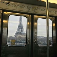 Paris, France A treasured moment in my life. Tour Eiffel, Paris Torre Eiffel, Paris Roma, Paris Cafe, The Places Youll Go, Places To Go, Dark Places, Metro Paris, Paris France