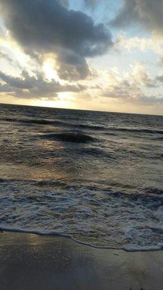 Amanecer en Playa del Carmen, Méjico/Sunrise. Playa del Carmen. Mexico