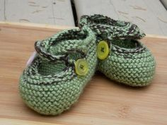 Hand knit mary jane style baby booties, 0-3 months Christmas Gifts For Kids, Christmas Shopping, Knit Baby Booties, 3 Months, Baby Knitting, Mary Janes, Baby Shoes, Booty, Style