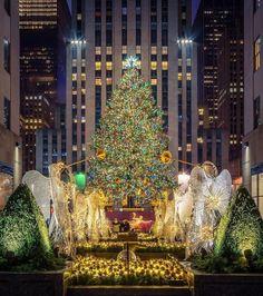 Rockefeller Center Christmas Tree by Sheffield wedding Photographer New York City Christmas, Christmas Town, Christmas Scenes, Christmas And New Year, Christmas Lights, Xmas, Cityscape Photography, City Photography, New York City Vacation