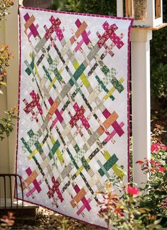 Kitchen Table Quilting: Cut Loose Quilt - FREE PATTERN