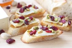 Kerstrecept: Cranberry Brie Crostinis
