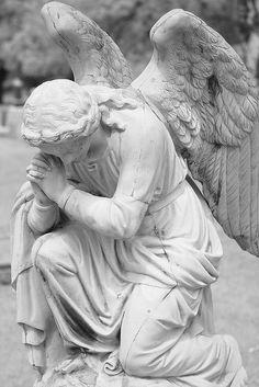 praying angel by Kessop, via Flickr