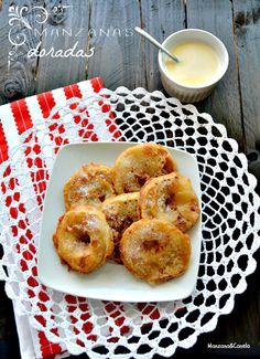 Manzanas doradas: buñuelos de manzana con crema inglesa. Golden apples with Crème anglaise