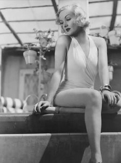 Carole Lombard Golden Age Of Hollywood, Hollywood Stars, Classic Hollywood, Old Hollywood, 50s Actresses, Hollywood Actresses, Vintage Glamour, Vintage Beauty, Vintage Girls