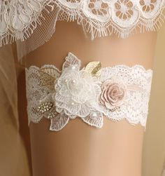wedding garter bridal garter lace garter white от GadaByGrace