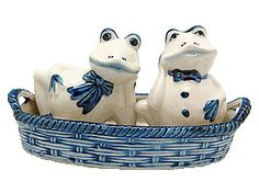 Delft Blue collectible Salt and Pepper Set of Dutch Frogs in a basket with a windmill scene featured on the interior of the basket. - Hand painted - See our collection for more unique Delft Salt & Pep