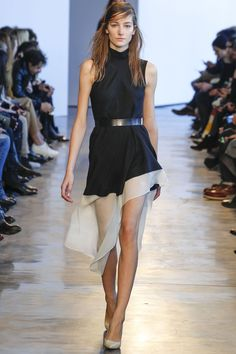 And - Theory is my favorite designer. Theory Fall 2014 RTW - Runway Photos - Fashion Week - Runway, Fashion Shows and Collections - Vogue Fashion Mode, Fashion Week, New York Fashion, Runway Fashion, High Fashion, Fashion Show, Womens Fashion, Fashion Design, Fashion Trends