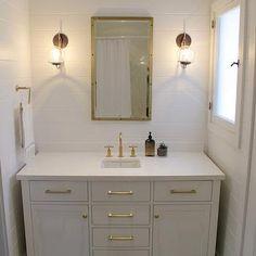 Caesarstone Pure White, Cottage, bathroom, Amber Interiors