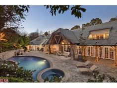 Search for Los Angeles, CA, United States luxury real estate homes for sale and real estate information at Coldwell Banker Global Luxury International. Cheap Mansions, Mega Mansions, Mansions For Sale, Logan, Cool Pools, Awesome Pools, Dream Home Design, House Design, Interior Design Companies