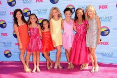 All the ORIGINAL dance moms girls. Miss the girls that left the team- Paige, Brooke, and Chloe.