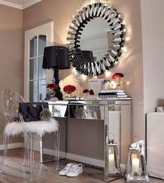 Vanity room decor find this pin and more on makeup beauty room ideas vanity room accessories . Decora Home, Rangement Makeup, Vanity Room, Mirror Vanity, Glam Room, Mirrored Furniture, Makeup Rooms, Deco Design, Beauty Room