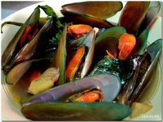 Did you know that mussels or tahong are good for diabetics? Find out how! Best Filipino Recipes, Filipino Dishes, Asian Recipes, Filipino Food, Asian Foods, Basic Food Groups, Seafood Recipes, Cooking Recipes, Philippines Food