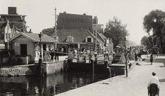 De eigenlijke overtoom (dus de overhaal over land) was al in 1809 vervangen door een sluis. In 1942 is deze sluis verlegd naar het Nieuwe Meer.
