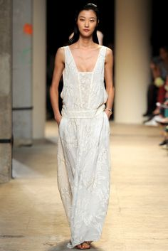 Again an amazing dress for a beautiful resort somewhere