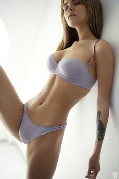 YOUNG SLIM & TATTOOED DREAM GIRLFRIEND BODY of sexy #Fitness model : Health, Exercise & #Fitspo - the best #Inspirational & #Motivational Pins by: http://cagecult.com/mma