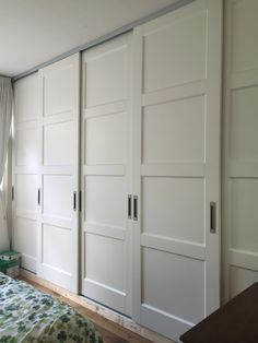 Amazing Closet With Sliding Doors 18 sliding Modern Closet Doors, Bedroom Closet Doors, Bedroom Closet Design, Bedroom Cupboards, Sliding Closet Doors, Sliding Door Wardrobe Designs, Closet Designs, Bedroom Built In Wardrobe, Sliding Cupboard