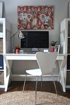 Office layout is an important factors that affects the employees performance. Find out the best Office Layout Ideas of a productive office. Best Home Office Desk, Home Office Space, Home Office Design, House Design, Garden Design, Office Spaces, Spare Bedroom Office, Small Home Offices, Home Office Organization