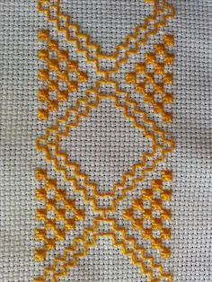 Tiny Cross Stitch, Cross Stitch Borders, Cross Stitch Embroidery, Hand Embroidery, Cross Stitch Patterns, Embroidery Designs, Swedish Embroidery, Japanese Embroidery, Sewing Crafts