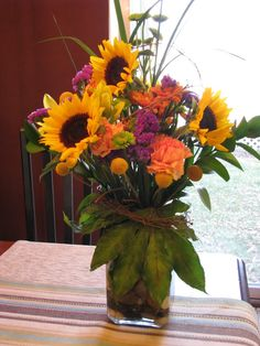 november flower arrangements for the home | 5th Generation Crafter: How to Create a Sunflower Centerpiece