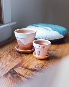 Multi-Shape // Hand-Painted Terracotta Pot w/ Saucer image 2 Painted Plant Pots, Painted Flower Pots, Suculentas Diy, Diy Inspiration, Idee Diy, Pottery Designs, Clay Pots, Cute Crafts, Diy Painting